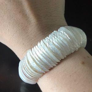 Jewelry - Shell bracelet